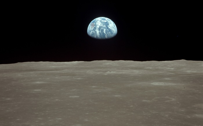 Apollo11_earthrise_1920x1200