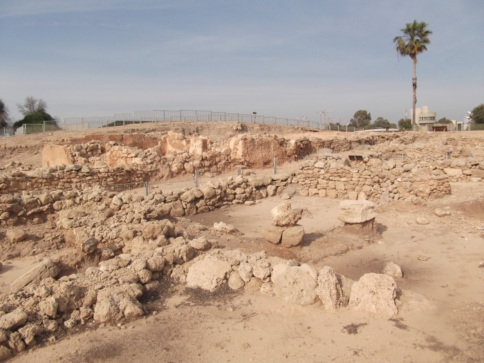 tel-qasile-excavations